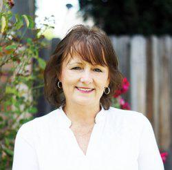 Bobbi Holmes Author